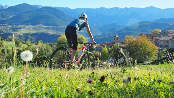 travel catalonia cycling